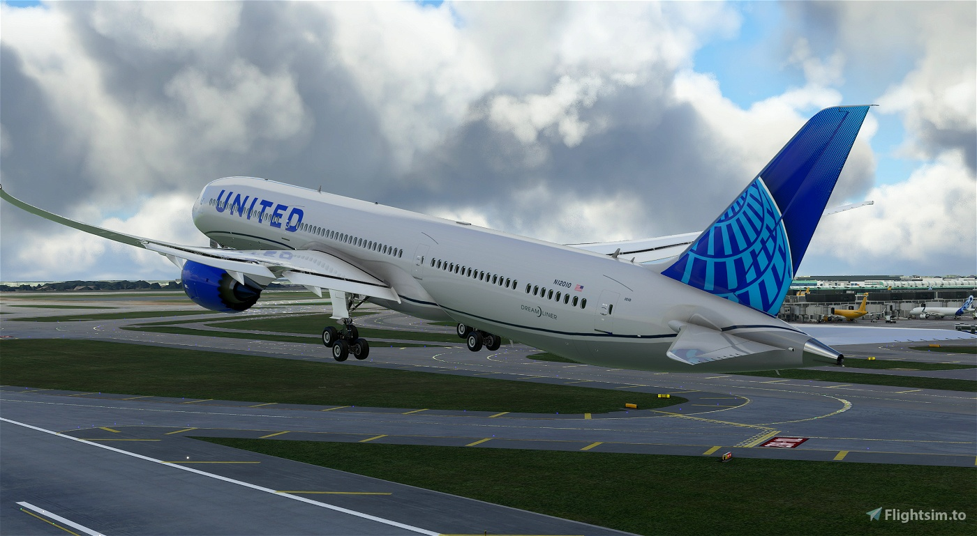 United Airlines B787-10 New colors