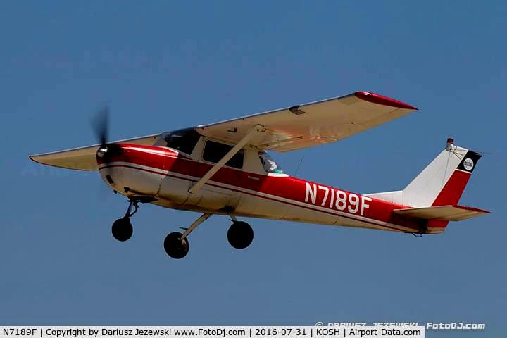 Cessna 150 Red Flight Simulator 2020
